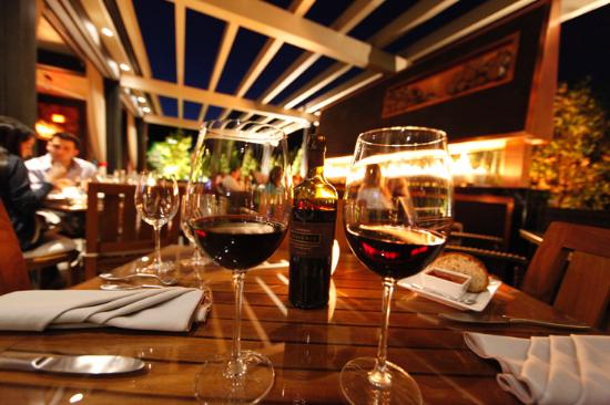Insignia Steakhouse: Patio
