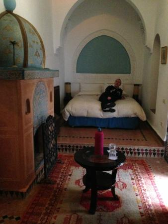 Dar Alhambra: Big comfy bed