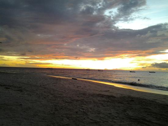 Palm Beach Condominiums: Yes, the sunsets are spectacular!