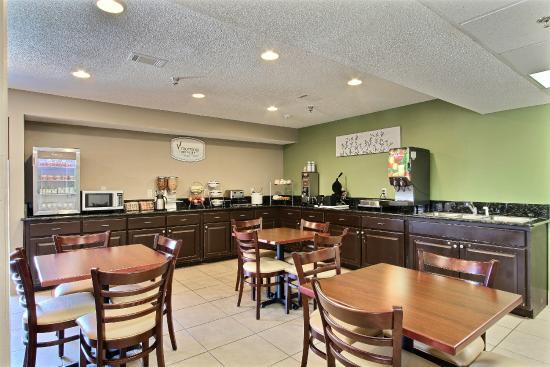 Sleep Inn I 95 North Savannah: Breakfast Area