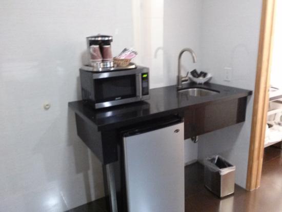 Grandview Inn: fridge, sink, coffee maker email 246