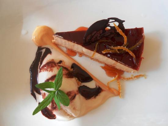 Solms-Delta Farm Tours: Fyndraai's cheesecake