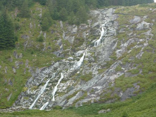 Laragh, Irlandia: Glenmacnass Waterfall After Some Dry Weather