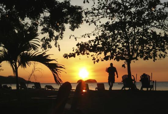 Villa Durazno: Local beach bar