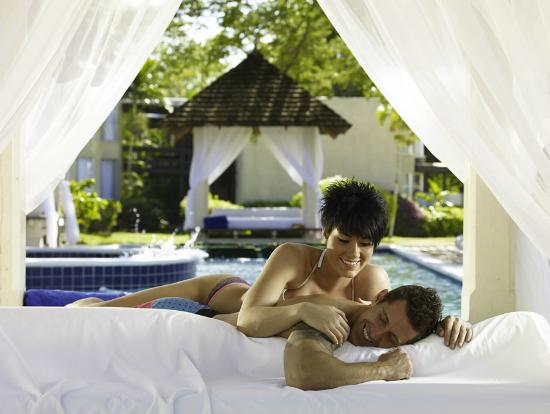 Hedonism II: Enjoy one of our Pool Cabanas with partner or a group of friends.