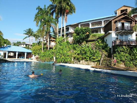 Hotel Villa Caribe: La piscine et l'hôtel