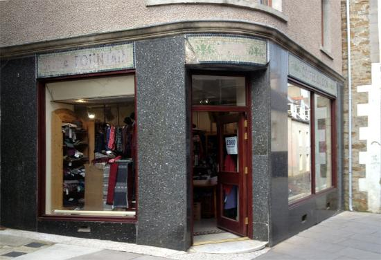 ‪The Quernstone Knitwear Shop‬