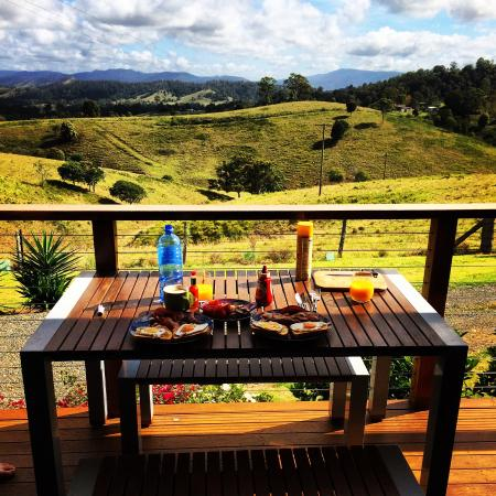 Firefly, Australie : Morning breakfast with a view <3