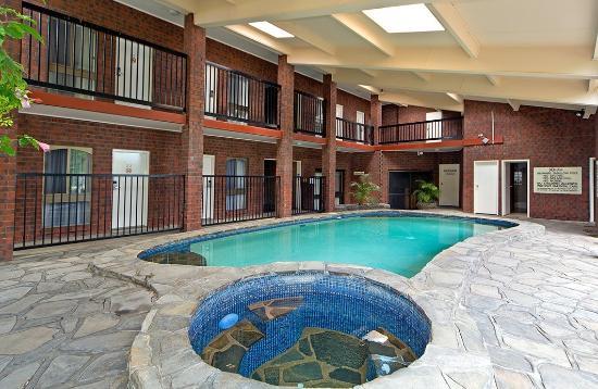 Comfort Inn & Suites Sombrero: Outside