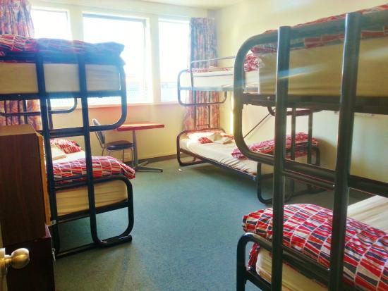 Point Break Backpackers: 6 Bed dorm with shared facilities