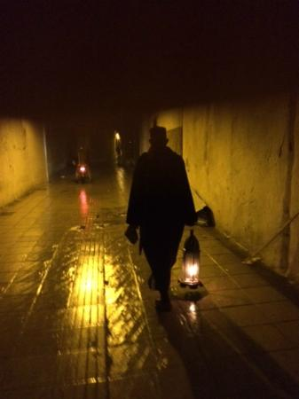 Dinarjat: The man with the lantern takes you through the Medina