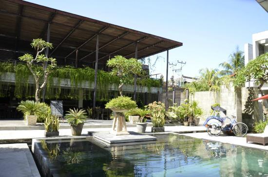 The Oasis Kuta: pool
