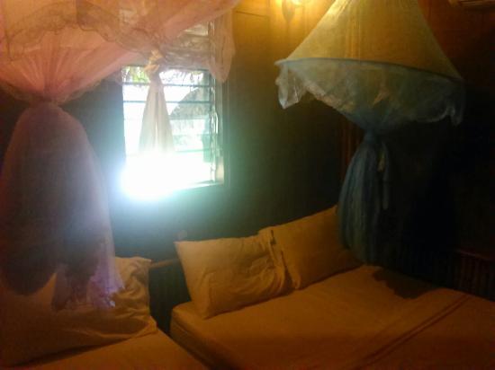 Bamboo Mountain View Resort: Camas e mosquiteiros