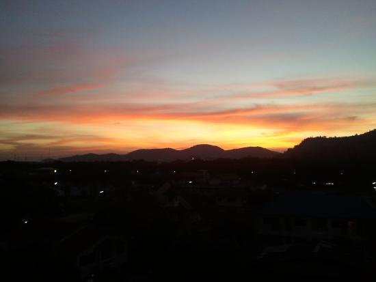 Huahin Loft Hotel: Uitzicht op de bergen.