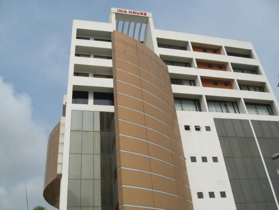 IMA House: hotel building