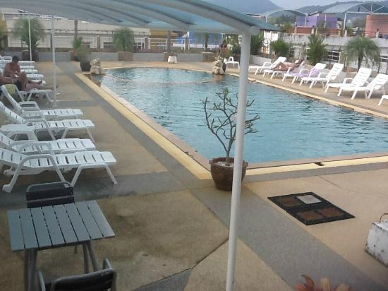 Sunshine Patong Resort: детская часть от 0.5м, взрослая до 1.2м
