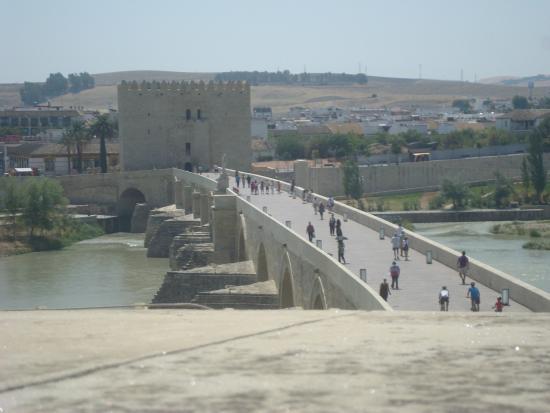 Provinz Córdoba, Spanje: Passeando na Ponte Romano