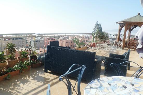 terrasse avec vue sur tamragh picture of dar ahlami. Black Bedroom Furniture Sets. Home Design Ideas