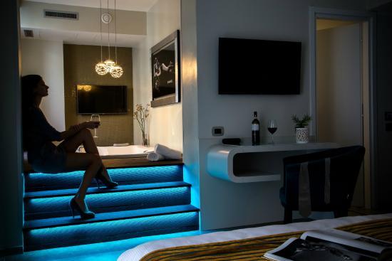 Suite con piccola piscina privata picture of montenapoleone suites milan tripadvisor - Suite con piscina privata ...