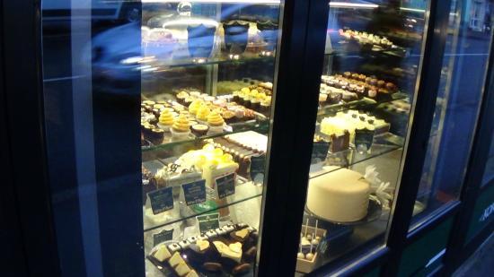 Koki  Prodavnica Kafe I Bombonjera