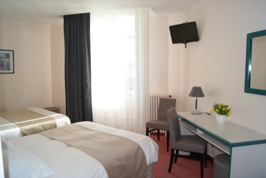 Chambre Familiale Avec Baignoire  Photo De Hotel De LUnivers
