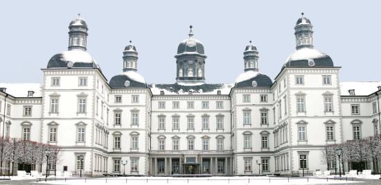 Althoff Grandhotel Schloss Bensberg: Aussenansicht Winter
