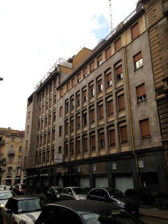 Hotel Mediolanum Milan: Da Fuori