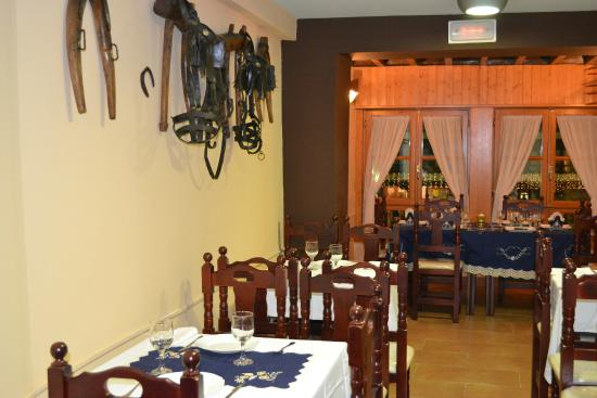 Bar - Restaurante Casa Toñi: Detalles manchegos