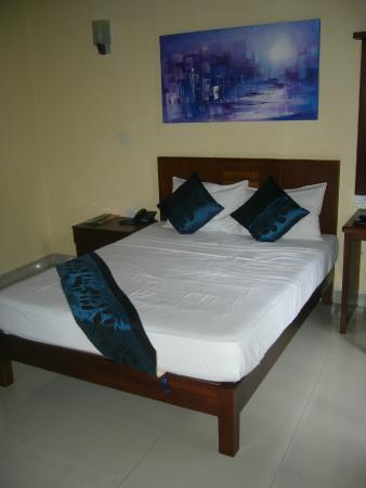 Seven Eleven Hotel & Residence: Den dejlig store seng