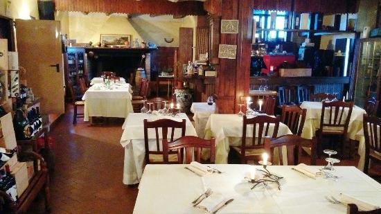 Ristorante La Mangiatoia: Sala interna