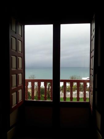 Hotel Villa Itsaso: Vista desde la habitación central del balcón