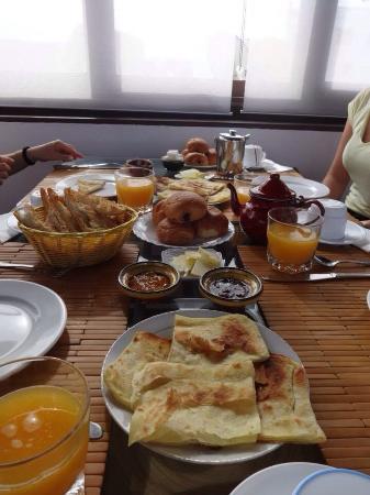 Riad Assilah: Desayunazo en el riad