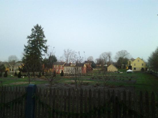 Zoar School Inn Bed and Breakfast: Sunrise at the Zoar community garden across the street from the Zoar School B&B