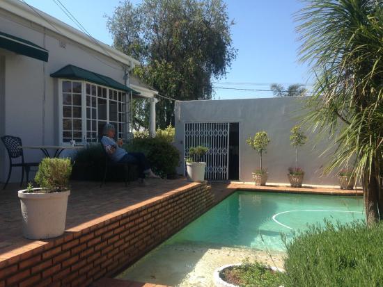 Melville Manor Guest House: Blick auf das Haupthaus