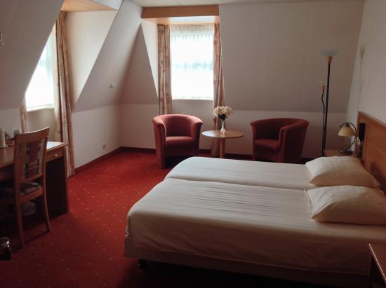 SuyderSee Hotel