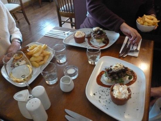 The Cellar: Open sandwich steak style