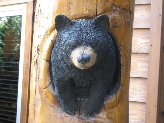 The Lodge at Jackson Hole: Bears everywhere