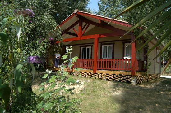 Locations chalet au camping les Lacs de courtes (Gers)