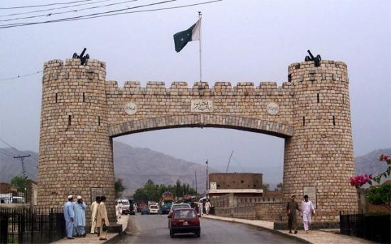 Πεσαβάρ, Πακιστάν: Bab I Khyber is Gate of Khyber Pass and is Icon of Peshawar