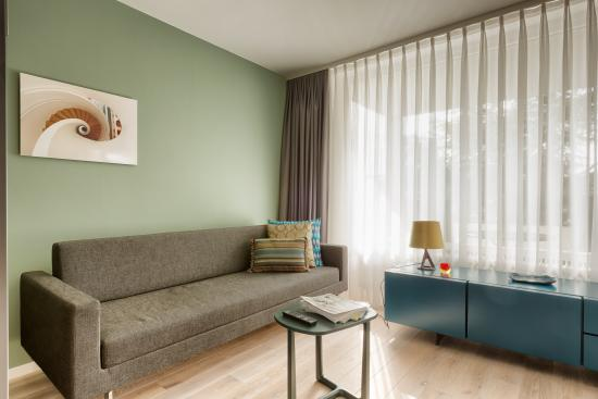 Hotel Eckert : Suite Wohnbereich