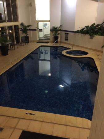 Contessa Holiday Apartments: Indoor pool & spa