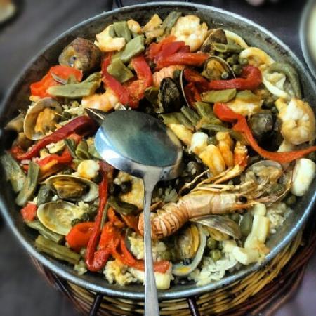 Casa Albo : Paella del cantabrico