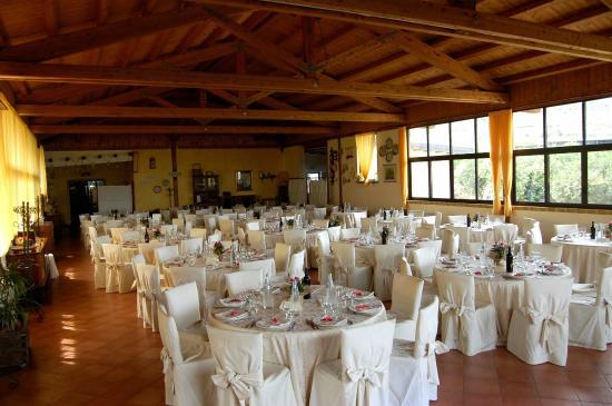 Allestimento sala per banchetto di nozze foto di agriturismo il giardino del sole carlentini - Agriturismo il giardino del sole ...