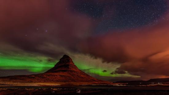 Grundarfjorour, Islandia: The Aurora over Kirkjufell