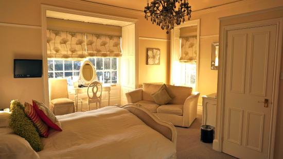Dale Lodge Hotel : Executive bedroom, light & airy