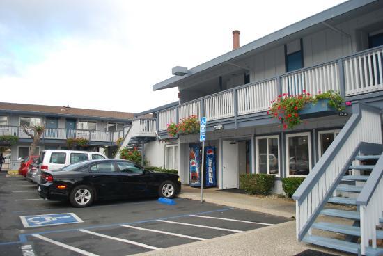 Days Inn Monterey Downtown : Innenhof