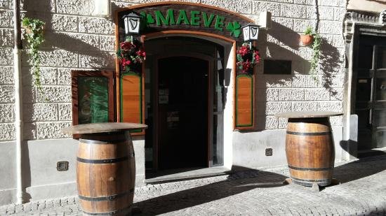 Maeve's Pub