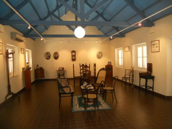 Museo Arubano: reconstructed colonial dining room