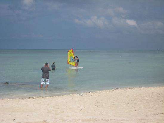 Aruba Active Vacations: windsurf beginner lesson