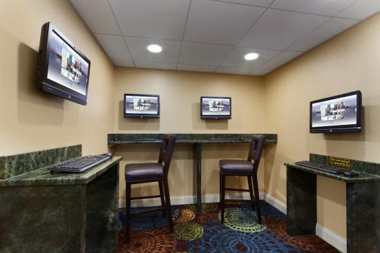 Wyndham Garden Glen Mills Wilmington: Business Center